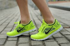 site full of NIke Free 50% off