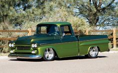 Check out Jim & Donna Stach's 1959 Chevrolet Apache with Nitto Tires and a Vintage Air Gen II A/C Unit, Featured in the 2007 September Issue of Classic Trucks Magazine. Gmc Trucks, Hot Rod Trucks, Chevrolet Trucks, Cool Trucks, Pickup Trucks, Truck Drivers, Chevy Apache, Classic Chevy Trucks, Classic Cars