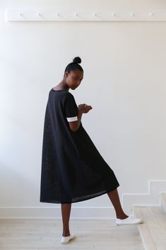 Simple Style, My Style, Designer Socks, Minimal Classic, Cool Patterns, Simple Outfits, Wearing Black, Pretty Dresses, Knit Dress