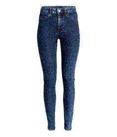 Check this out! Bukser i vasket twill med superstretch, smalle ben og høj talje. Bukserne har snydelommer foran og rigtige baglommer. – Gå ind på hm.com for at se mere.