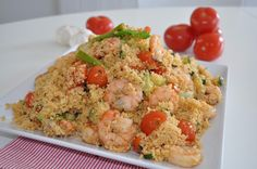 En delikatesse av couscouse med scampi Scampi, Couscous, Pasta Salad, Ethnic Recipes, Food, Crab Pasta Salad, Noodle Salads, Meals, Macaroni Salad