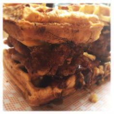 Chicken waffle sandwich!!! Gluten Free Fried Chicken, Waffle Sandwich, Chicken And Waffles, Sandwiches, Food Porn, Searching, Pie, Breakfast, Desserts