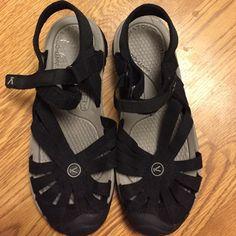 Women's black Keens Women's Keens size 7 Keen  Shoes Sandals