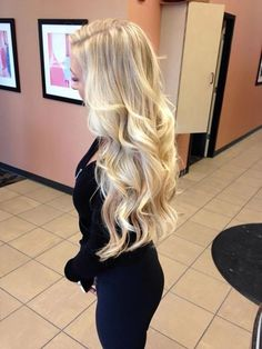 Shop our online store for blonde hair wigs for women.Blonde Wigs Lace Frontal Hair Platinum Purple Hair From Our Wigs Shops,Buy The Wig Now With Big Discount. Blonde Hair Looks, Brown Blonde Hair, Blonde Wig, Butter Blonde Hair, Blonde Hair Extensions, Blonde Curls, Medium Blonde, Bleach Blonde, Medium Brown