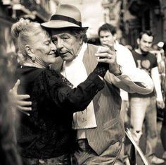This pin shows a picture of a couple doing the tango in a street in Buenos Aires. Argentina is said to be the birthplace of the tango. This dance is still very popular among Argentinians; young and old alike partake in it. Shall We Dance, Lets Dance, Dance Art, Dance Music, Dance Ballet, Growing Old Together, Dance Like No One Is Watching, Belle Photo, Fred Astaire
