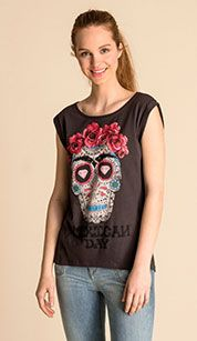 Top en gris oscuro Graphic Tank, T Shirts, Tank Tops, My Style, Clothes, Women, Fashion, Grey, Dark