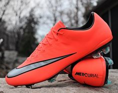 Everyone seems to be loving these at the moment! The Nike Mercurial Vapor X Mango courtesy from the guys over @soccerprodotcom. What are your thoughts on them? And more importantly which boots should I get in from @soccerprodotcom next? Let me know in the comments! Also thanks for over 7000 likes on my last picture of boots!!! Anyway be sure to follow me for more pictures of great boots usually Nike Adidas and Puma and be sure to follow @soccerprodotcom and @maestroxarmandinho…