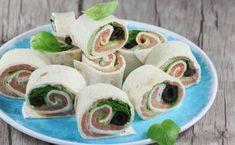 Tortilla z łososiem. Tortilla with smoked salmon. Polish Recipes, Polish Food, Smoked Salmon, Fresh Rolls, Sushi, Tacos, Lunch Box, Mexican, Vegan