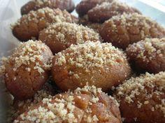 Μελομακάρονα σαν του ζαχαροπλαστείου με σιμιγδάλι - Νόστιμες Συνταγές
