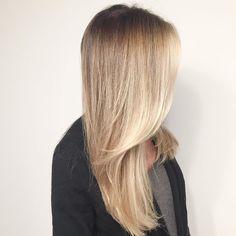 Wheatie-blonde Color-melt! #scotchbonnethairstudio #ilovewpb #downtownwpb…