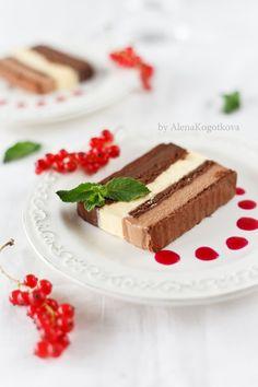 Chocolate Terrine, Chocolate Treats, Chocolate Cake, Frozen Desserts, Sweet Desserts, Delicious Desserts, Gelato, Mousse, Italian Desserts