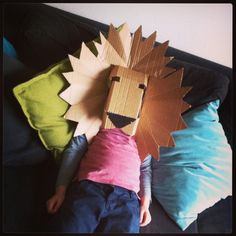 Lion mask cardboard Cardboard Costume, Cardboard Mask, Cardboard Sculpture, Cardboard Crafts, Animal Projects, Art Projects, Animal Crafts, World Book Day Ideas, Lion Birthday