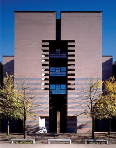 Banca del Gottardo. Canton of Ticino Switzerland. Mario Botta 1982-1988