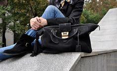 These three black pieces - Gucci handbag, Patrizia Pepe ankle boots and Manuel Ritz luxury jacket – make lately my company. Manuel Ritz, Patrizia Pepe, Gucci Handbags, Marc Jacobs, Ankle Boots, Black, Fashion, Gucci Purses, Moda