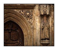 http://www3.picturepush.com/photo/a/4698251/img/England/Bath-Abbey-Door.jpg