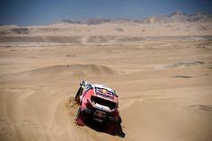 ¡Los #Peugeot2008DKR en acción!