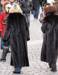 Mink Coats, Mink Fur, Furs, Candid, Vintage Fashion, Woman, Street, Elegant, Lady