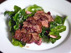 Eric Ripert's Seared Skirt Steak and Spinach Salad with Red Wine-Shallot Vinaigrette | Serious Eats : Recipes