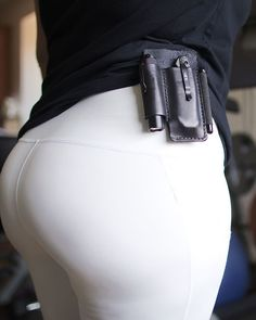 Getting through that mid week struggle with some clip action! Curvy Women Fashion, Womens Fashion, Edc Wallet, Throwing Axe, Icarly, Sexy Jeans, Everyday Carry, Leather Working, Bracelets For Men