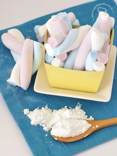 Website about food, sweets, sugar, patisserie and life Recipes With Marshmallows, Homemade Marshmallows, Good Food, Yummy Food, Food Humor, Dessert Recipes, Desserts, Creative Food, Cooking Time