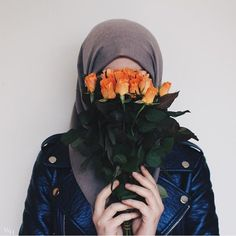 This jacket sounds beautiful ♥️♥️ Hijab Niqab, Hijab Dp, Muslim Hijab, Hijab Chic, Hijab Outfit, Hijab Dress, Girl Photo Poses, Girl Photography Poses, Girl Photos