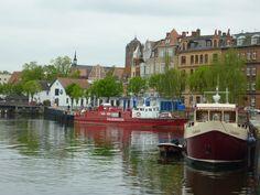 Im Hafen Stralsund den Bootsführerschein machen, bei diesem Ausblick einfach herrlich.