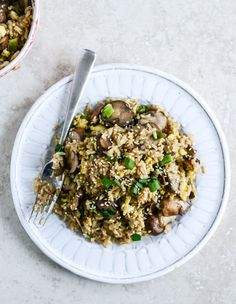30 Minute Portobello Fried Brown Rice I howsweeteats.com @how sweet eats