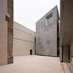 Muro vegetal para el museo de san telmo / nieto sobejano arquitectos