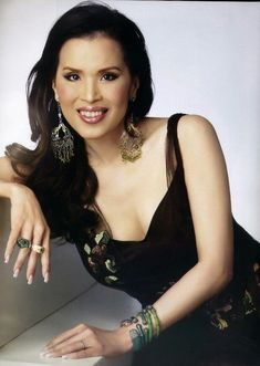 Thai Princess, Queen Sirikit, Celebs, Formal Dresses, Beauty, Education, Fashion, Celebrities, Dresses For Formal