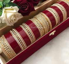 Ideas Indian Bridal Jewellery Set Cats For 2019 Indian Bridal Jewelry Sets, Bridal Bangles, Bridal Accessories, Bridal Jewellery, Indian Jewelry, Gold Jewellery, Jewelery, Chuda Bangles, Wedding Chura