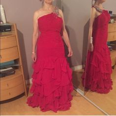 Red Mermaid Evening Gown