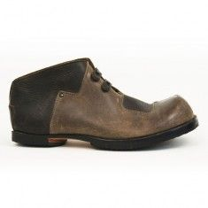 Men& Cydwoq Shoe *Slight color variations possible--call for leather-related inquiries. Me Too Shoes, Men's Shoes, Shoe Boots, Altama Boots, Men Boots, Cowboy Boots, Mens Boots Fashion, Best Mens Fashion, Brown Dress Boots