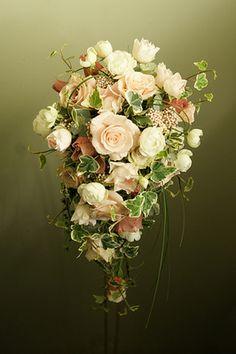 12 ideas para ramos de novia en otoño: Opta por tonalidades más suaves para un look más romántico