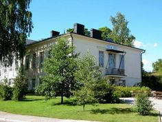 Summer Hotel Villa Aria Savonlinna The hotel is located in a renovated late 19th-century building by the shores of Lake Saimaa. It offers free WiFi and rooms with minibars and seating areas.  Summer Hotel Villa Aria's spacious rooms feature fresh décor and high ceilings.