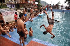 Maciej Dakowicz Street Photographers, Swimming Pools, Sumo, Wrestling, India, Sports, Kids, Random, Log Projects
