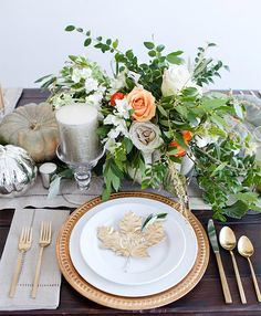 Gorgeous gold place card DIY for the Thanksgiving Table