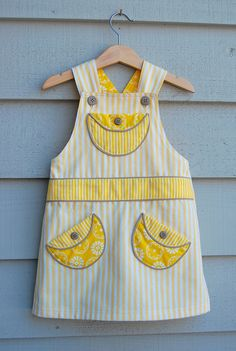 ikat bag: Overalls - Adaptation for Girls free pattern Sewing Kids Clothes, Sewing For Kids, Baby Sewing, Free Sewing, Diy Clothes, Toddler Outfits, Baby Outfits, Kids Outfits, Girl Dress Patterns