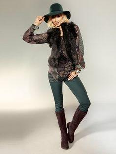 Hat Vest Blouse Boots