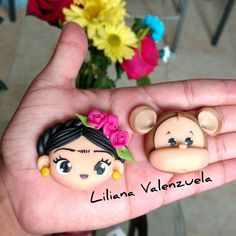 No hay descripción de la foto disponible. Sculpey Clay, Polymer Clay Figures, Cute Polymer Clay, Polymer Clay Dolls, Polymer Clay Miniatures, Polymer Clay Crafts, Polymer Clay Earrings, Clay Jewelry, Jewelry Crafts