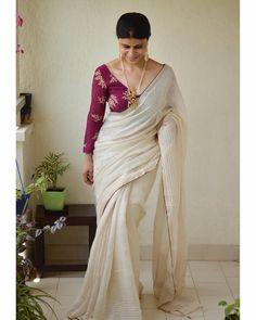 Sari- Handwoven linen saree with jari wrap in natural dye . Saree Blouse Patterns, Sari Blouse Designs, Fancy Blouse Designs, Trendy Sarees, Stylish Sarees, Blouse Back Neck Designs, Sari Dress, Saree Trends, Saree Look