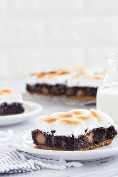 Peanut Butter Cup Smores Brownies #recipes #food #drink #cuisine #boissons #recettes