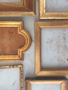 Cadre miroir ou cadre photo huit ornée moulures de coin argent métallisé