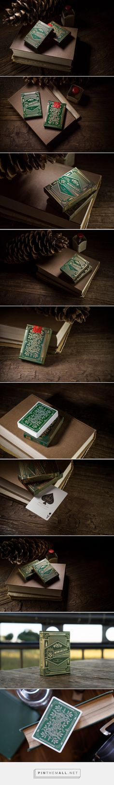 Monarch Playing Cards Green Edition Packaging by theory11 - http://www.packagingoftheworld.com/2015/10/monarch-playing-cards-green-edition.html