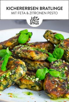 Chickpea and spinach patties with feta and lemon pesto, Baking # 1200 calorie V .- Chickpea and spinach patties with feta and lemon pesto, baking # 1200 calorie vegetarian diets Vegetarian diets Vegetarian diets Lunch Recipes, Meat Recipes, Healthy Dinner Recipes, Vegetarian Recipes, Vegetarian Diets, Grilling Recipes, Falafel, No Calorie Foods, Low Calorie Recipes