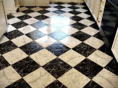 Checkerboard floor tiles in the laundry room Checkered Floor Kitchen, White Kitchen Floor, Checkered Floors, Foyer Flooring, Vinyl Flooring, Kitchen Flooring, Linoleum Flooring, Flooring Ideas, Black And White Flooring
