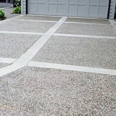 From simplistic entrances to high-end mansion constructions, discover the top 50 best concrete driveway ideas. Pebble Driveway, Stamped Concrete Driveway, Modern Driveway, Diy Driveway, Driveway Repair, Driveway Paving, Driveway Design, Front Yard Design, Driveway Landscaping