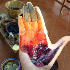 Demostración de tintes con grana cochinilla, cempasúchil y huizache