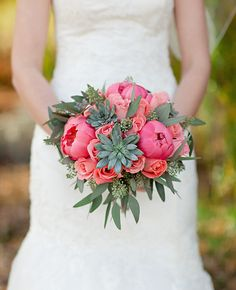 bright eucalyptus bridal bouquet | Lisa Hessel Photography | Blog.theknot.com