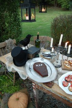 Love the table. I want a Poe inspired birthday celebration!