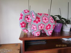 made by Irene Robertson, from my pattern http://www.ravelry.com/patterns/library/loxodonta--elephas-the-african-flower-elephants